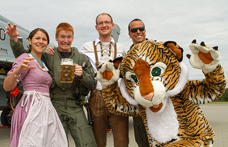 Bavarian Tigers in traditional clothes (photo by David Goovaerts)